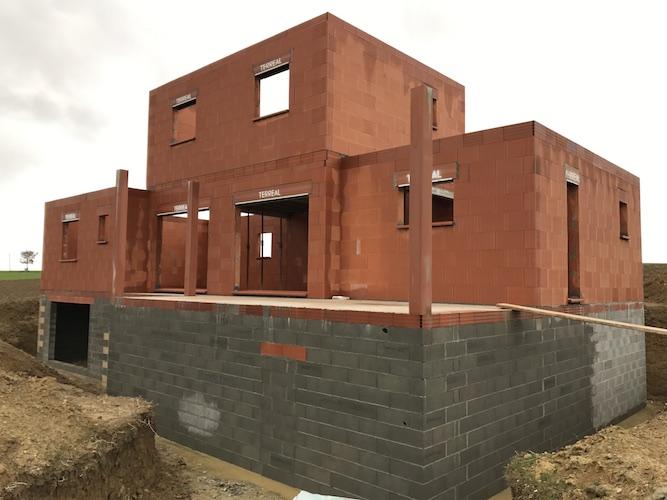 maçonnerie terminée pour la construction de la maison à Paulhac 31380