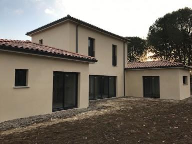 Finitions pour la construction de la maison individuelle de PECHBONNIEU